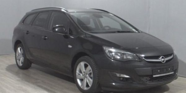 1718-Opel Astra ST 1.4-3