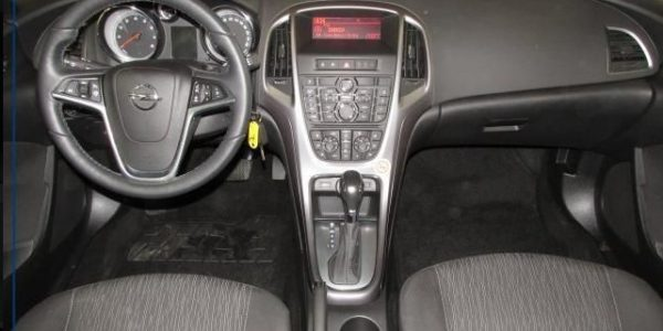 1718-Opel Astra ST 1.4-5