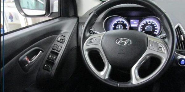 2308-Hyundai ix35 2.0 CRDI-8