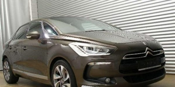 2446-Citroën DS5 2.0 HDI-3