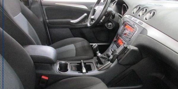 2564-Ford Galaxy 2.0 TDCI-8