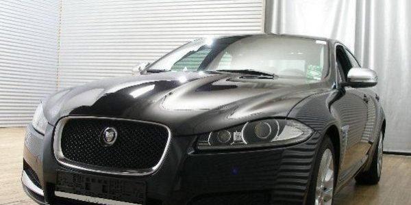 3000-Jaguar XF 3.0 V6 Diesel S-2