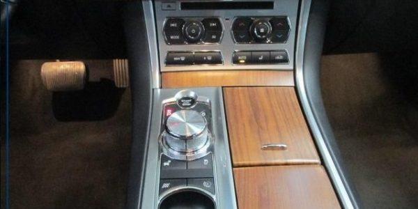 3000-Jaguar XF 3.0 V6 Diesel S-6