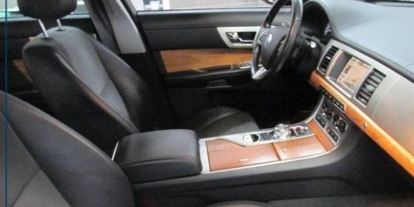 3000-Jaguar XF 3.0 V6 Diesel S-7