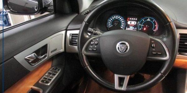 3000-Jaguar XF 3.0 V6 Diesel S-8
