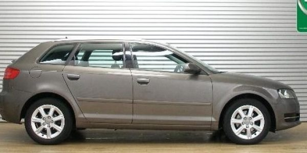 3010-Audi A3 Sportback 2.0 TDI-1