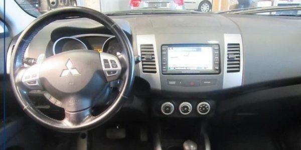 3137-Mitsubishi Outlander 2.4-5