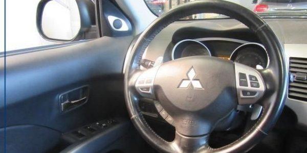 3137-Mitsubishi Outlander 2.4-7