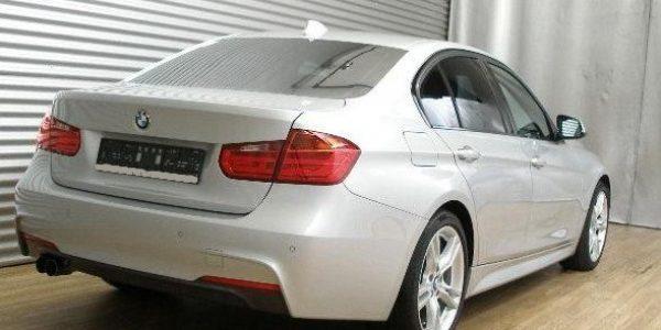 3419-BMW 320d-4