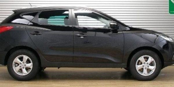 3758-Hyundai ix35 2.0 CRDI T-1