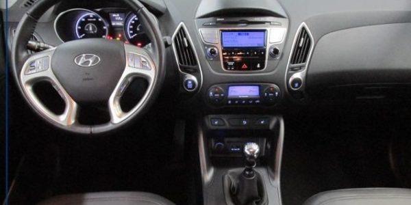 3758-Hyundai ix35 2.0 CRDI T-5