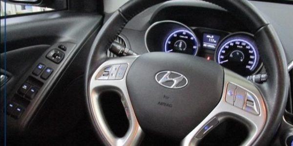 3758-Hyundai ix35 2.0 CRDI T-7
