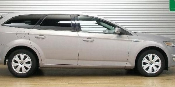 4326-Ford Mondeo Turnier 2.0 TDCi-1