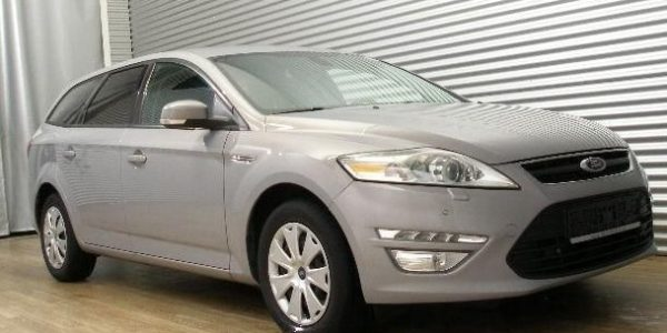 4326-Ford Mondeo Turnier 2.0 TDCi-3